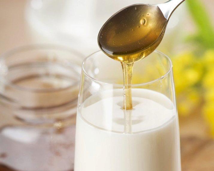 когда болит горло пить молоко с маслом